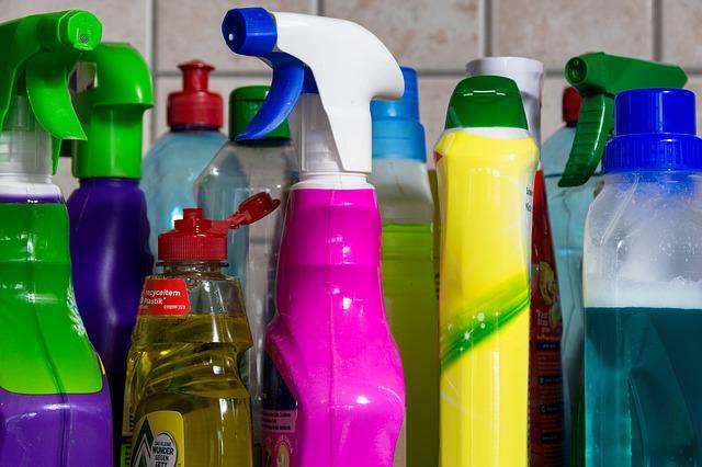 výbava na běžný úklid chemickými prostředky